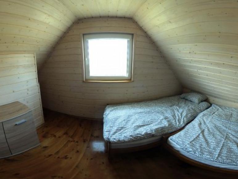 W każdej sypialni komoda