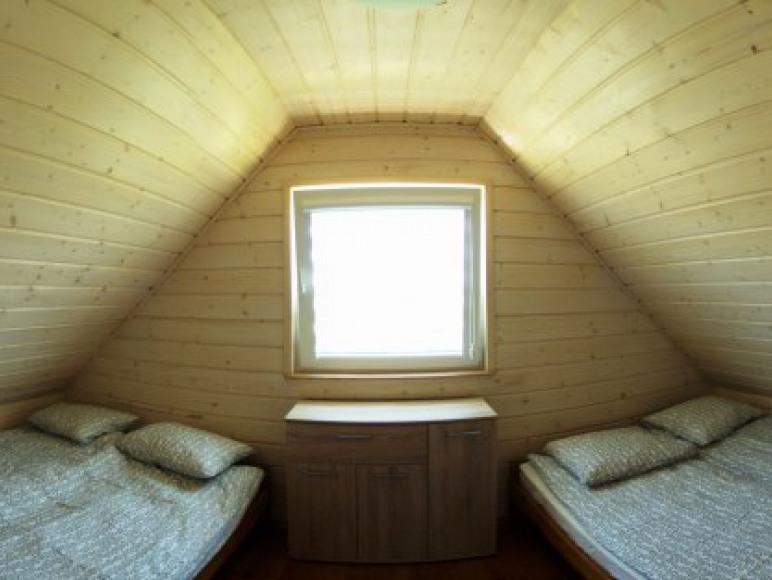 Duże wygodne łóżka 140x200