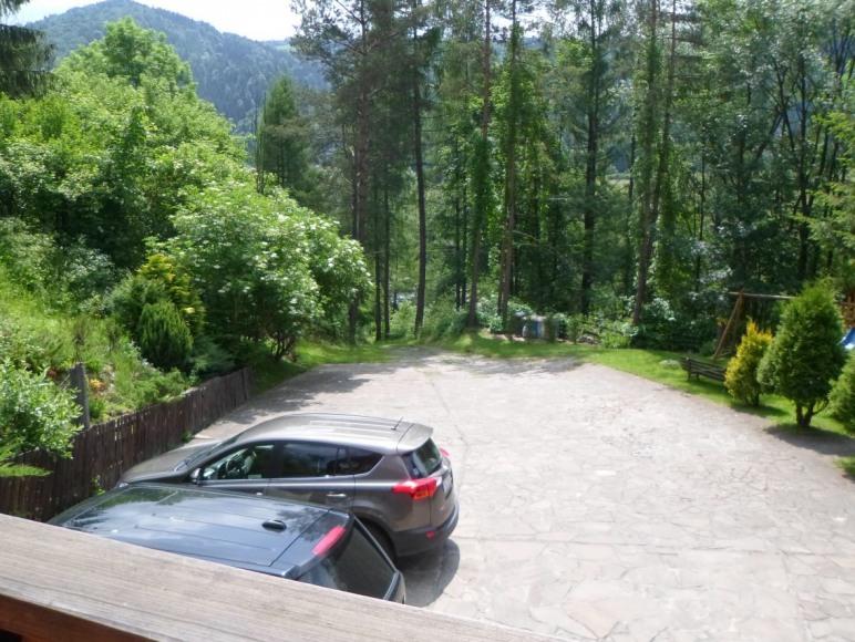 parking przed domem