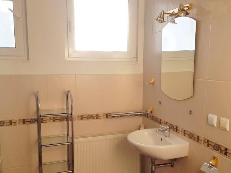 Pokój trzyosobowy - łazienka
