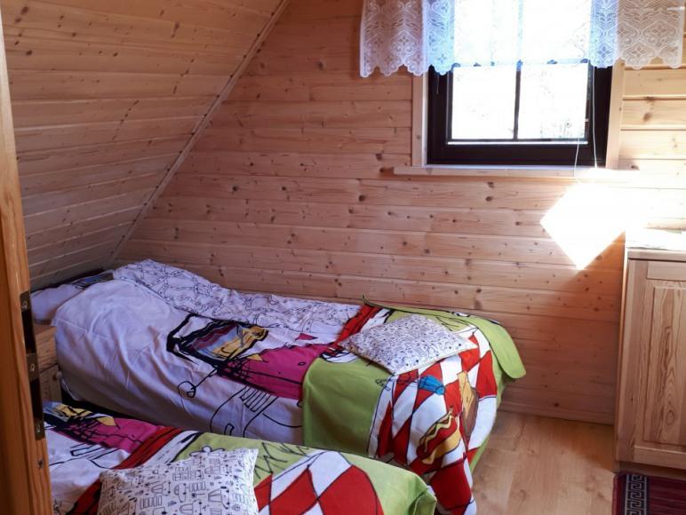 sypialnia 2 w domku 6 osobowym