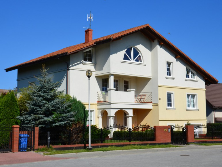 dom z ulicy