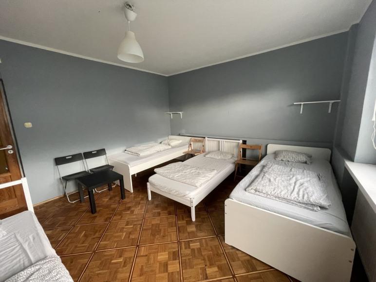 Tanie Nocowanie   pokoje dla pracowników