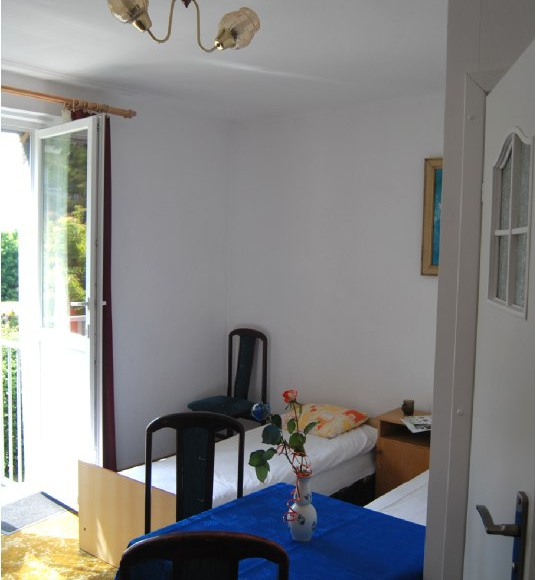 Pokój 3 osobowy z łazienką, aneksem kuchennym i osobnym wejściem