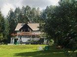 Dom nad jeziorem z ogromnym ogrodem i własną plażą
