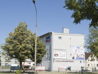 Hostel Almina
