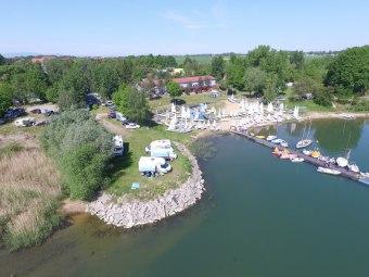 Domek nad jeziorem Głębinów