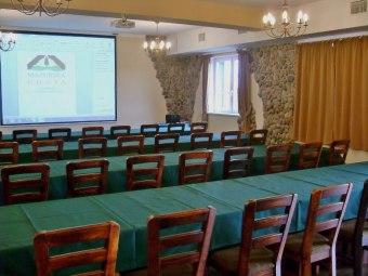 Sala restauracyjno-konferencyjna dla 100-120 osob